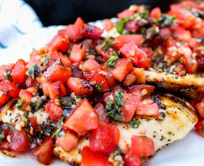 Healthy Bruschetta Chicken #vegan #dinner #healthyrecipes