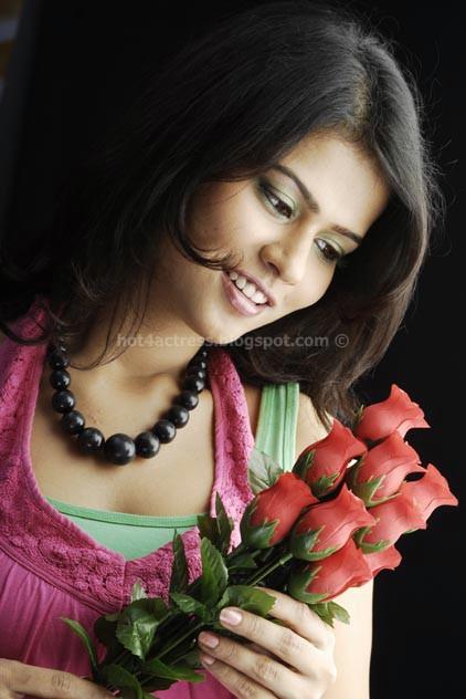 Sharmila mandre latest hot pics