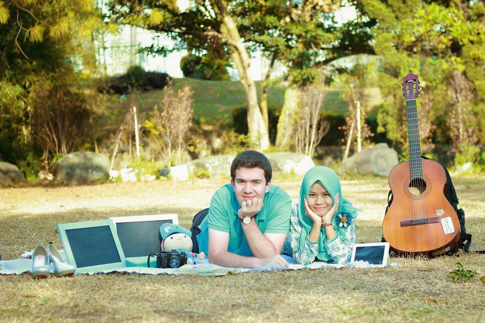 Dalam Jarak Anak Kembar Di Turki