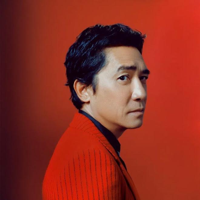 Tony Leung on GQ : 本格的なアメリカ映画は初出演のマーベル作品「シャンチー」が、いきなり記録破りの大ヒットで、全米注目の香港映画界の伝説的なスター、トニー・レオン ! !