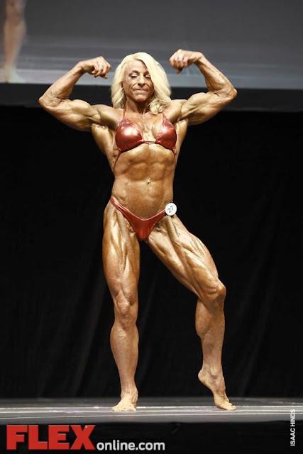 Así luce hoy la primer fisicoculturista mujer del mundo. Tiene 62 años y su cuerpo se está… FOTO 2B2