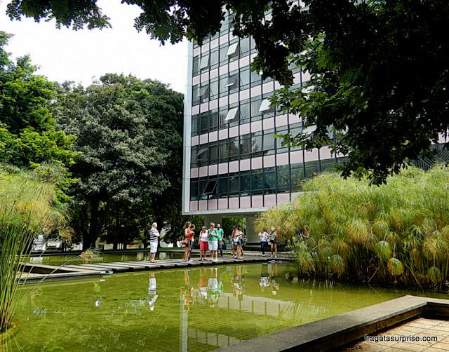 Jardim projetado por Burle Marx na Quadra 308 Sul de Brasília