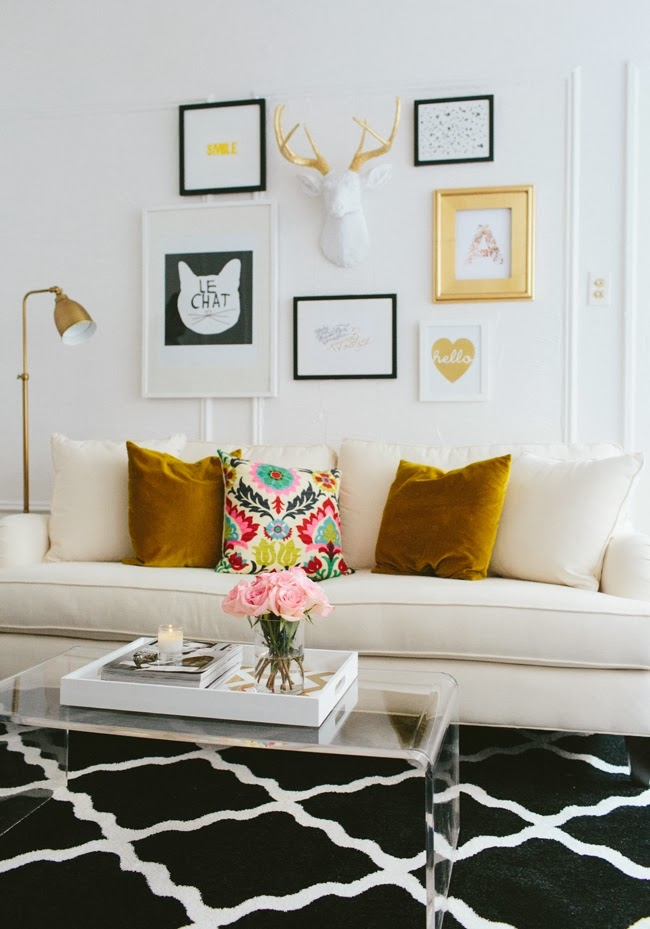 Mix and Chic: Home tour- A fashion blogger's girly chic ...