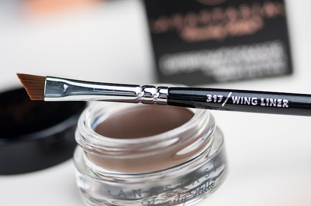 Anastasia Beverly Hills Dipbrow Pomade - Dark Brown