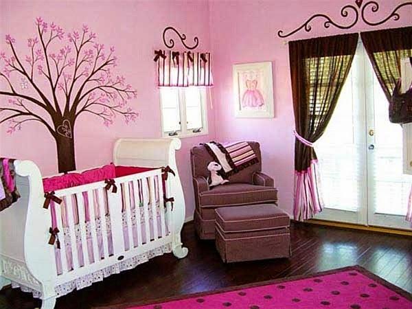 cuarto bebé marrón rosa