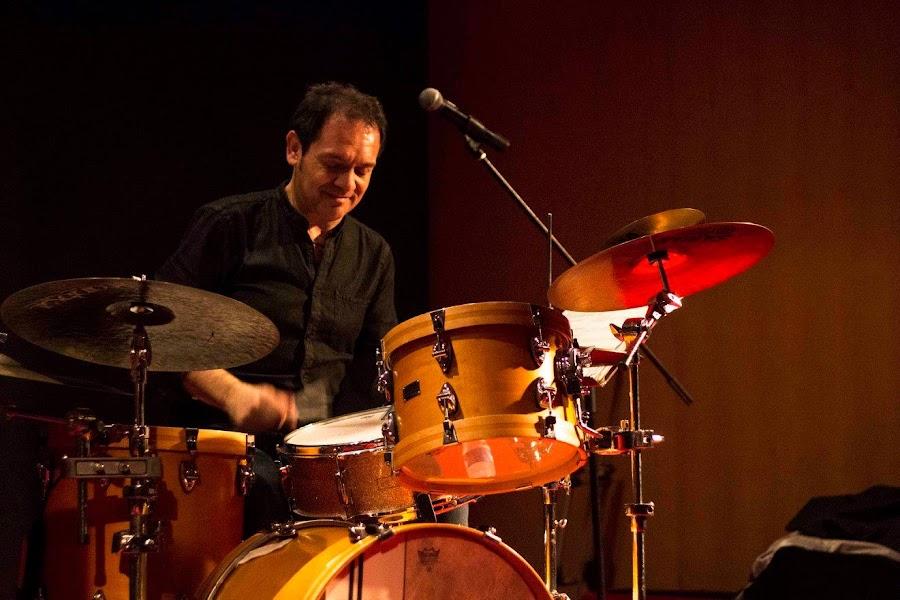 Felipe Cucciardi muy concentrado, disfrutando