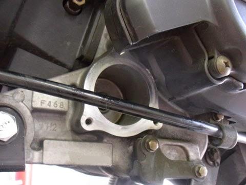 アドレスV125Gの油温計センサーを取付けの為にオイルフィルターキャップを外したところ