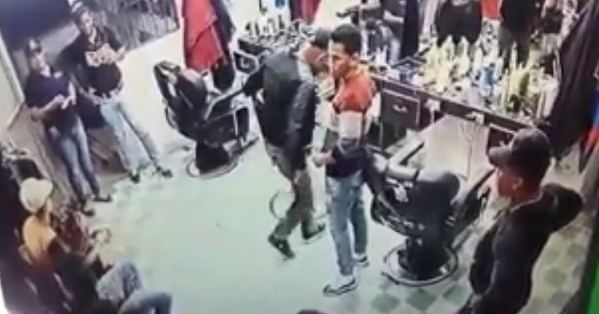 EN VILLA VASQUEZ: Agentes de la DNCD en complicidad con la fiscal Lissett Núñez colocan drogas en barbería.