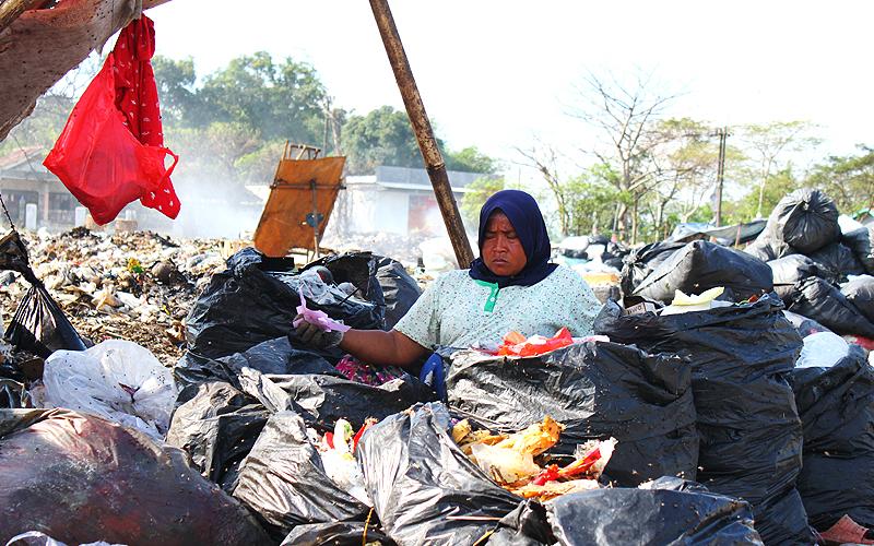 Hasil Survei: Masyarakat Indonesia Hanya Bisa Bertahan 2 Bulan Lagi di Masa Pandemi Ini