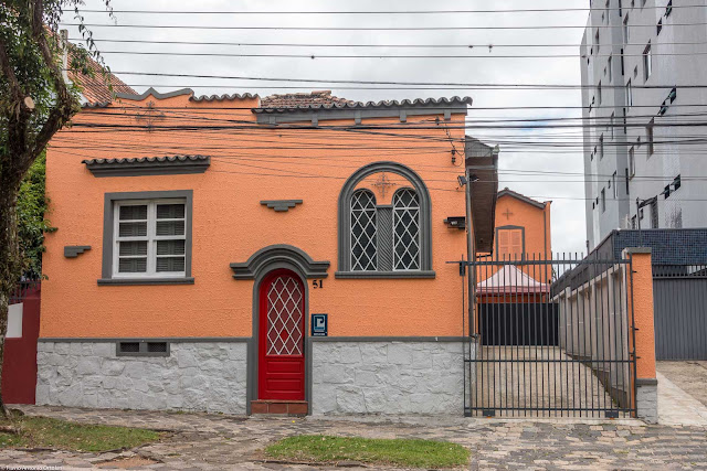 Fachada de casa na Rua Visconde de Nacar