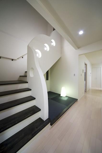 画像で見る階段下のスペースを有効に使うアイディア例,Image samples of ideas for effectively using the space under the stairs,有效利用楼梯下方空间的想法图例