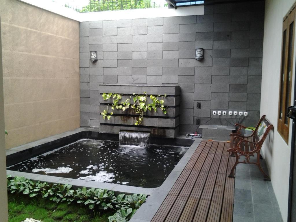 kolam ikan nuansa alam hotel villa di bali