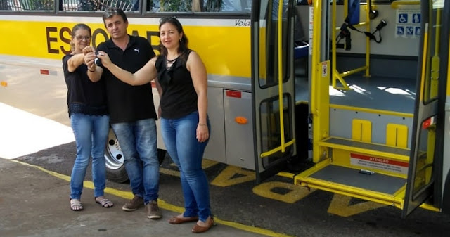 Iretama: Prefeito entrega ônibus para APAE