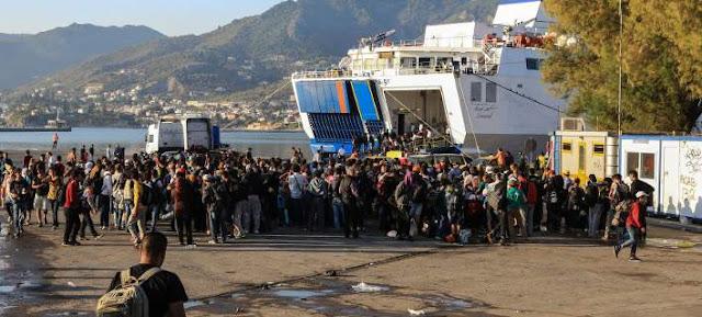 Εγκλωβίζουν τους πρόσφυγες στο Αιγαίο