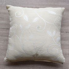 off white coloured throw pillows, pillow covers in portharcourt, Nigeria