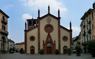 The duomo in Piazza San Donato in Pinerolo
