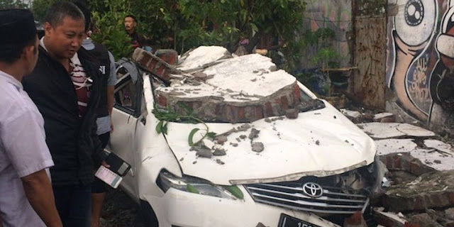 Hujan Es Melanda Surabaya, Ini Penjelasan BMKG