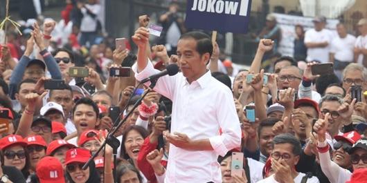 Modal 3 Kartu, Jokowi Yakin Kalahkan Prabowo di Jawa Barat