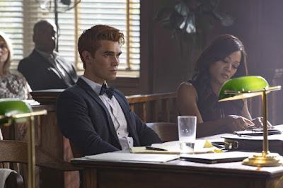 Riverdale Season 3 Robin Givens Kj Apa Image 2