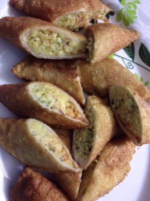 Karipap,karipap roti gardenia,resepi karipap roti gardenia,blog resepi, karipap sedap,karipap roti , karipap inti telur