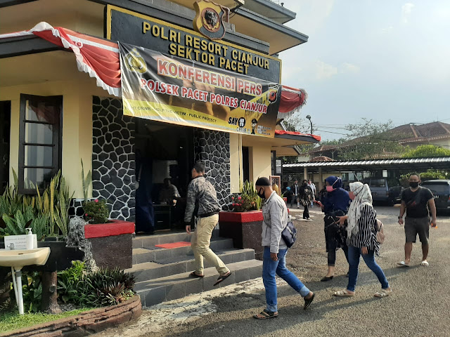 Korban Penipuan Perumahan Bodong Geruduk Mapolsek Pacet