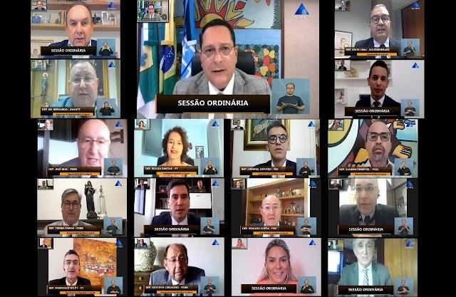DEPUTADOS APROVAM REAJUSTE DO PISO NACIONAL DOS PROFESSORES