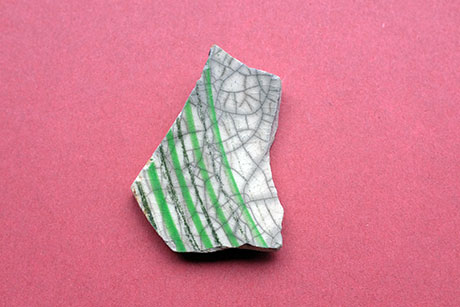 Cracked White Ceramic with Green Pattern © Graeme Walker / Pebble Museum 2019