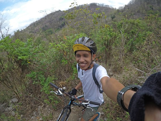 Mengabadikan saat blusukan naik sepeda