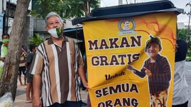 Setiap Hari Warga Surabaya Ini Bersedekah 100 Porsi Makanan Gratis