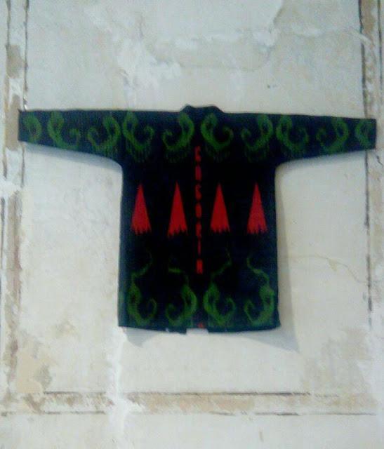 dilyara kaipova textile exhibitions tbilisi tashkent, ikat textile fantasies dilyara kaipova, ikat art pieces dilyara kaipova