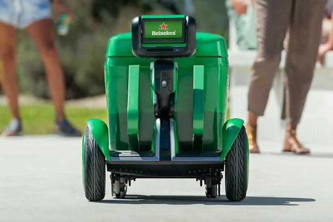 Heineken inventa una hielera que te sigue a donde vayas