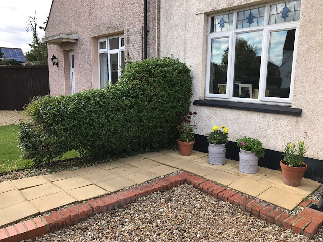 Finished front garden after using the GTech HT20 Cordless Hedge Trimmer