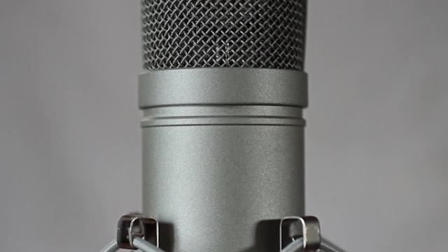 Record a professional german male voiceover - voice lessons - voice actor - singing voice