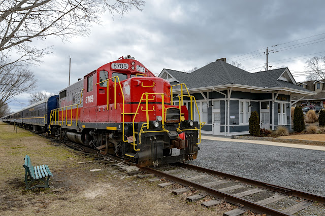 Georgia Northeastern Railroad #8705 (GNRR) at Blue Ridge, GA