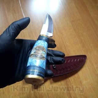 là loại dao dùng để xẻ thịt và lột da thú