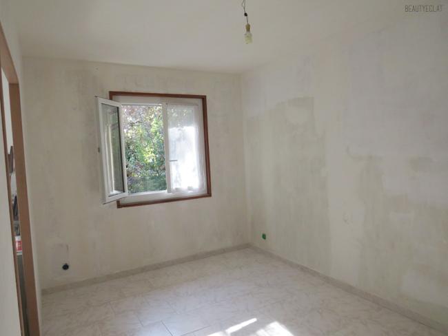 chambre murs bruts