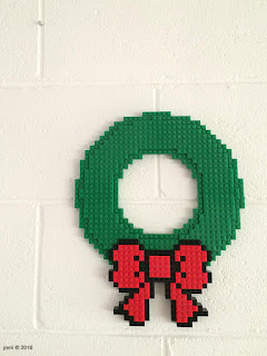 pixelbrick wreath