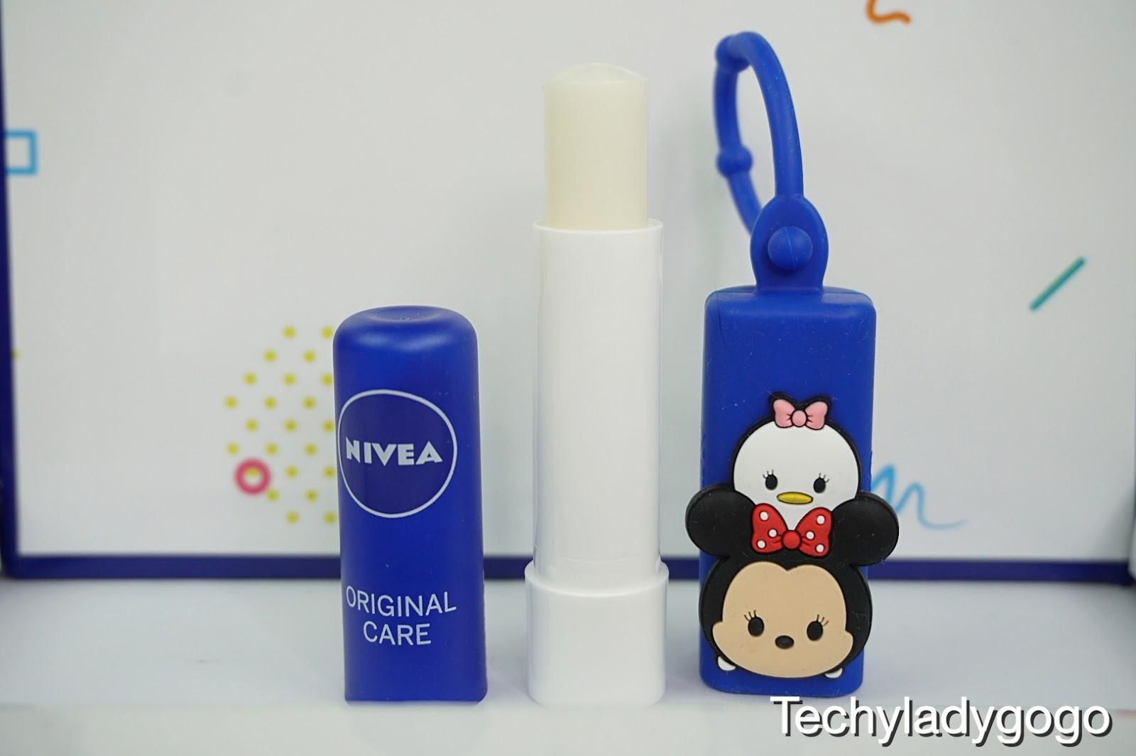 NIVEA Original Care ในดีไซน์ Minnie Mouse สุดน่ารักที่ช่วยปกป้องริมฝีปากจากการแห้งเสีย มอบความชุ่มชื้นยาวนาน 12 ชั่วโมง พร้อมมอยส์เจอร์ไรซ์เซอร์เข้มข้น
