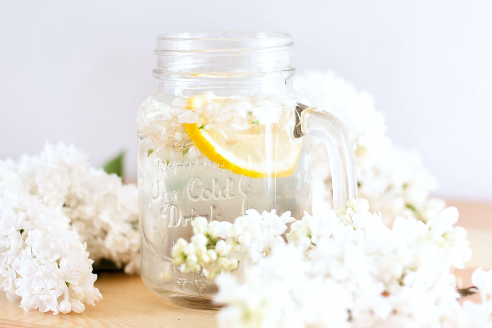Lemoniada z bzu lilaka - nietypowa, ale pyszna!