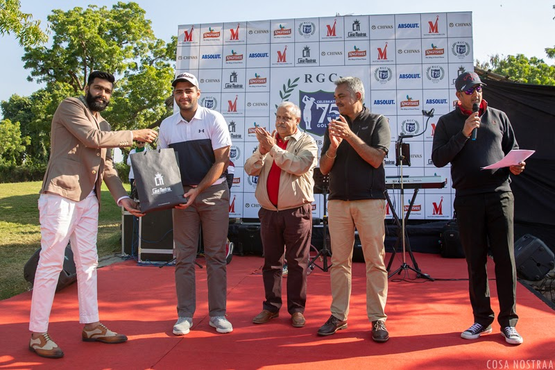 Tanuj Vijay on behalf of  Cosa Nostraa with Captain Yogendra Singh Shekhawat Presenting the award to Runner-up Anas Shamsi.