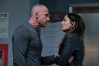 Dominic Purcell and Sarah Wayne Callies in Prison Break Season 5 (4)