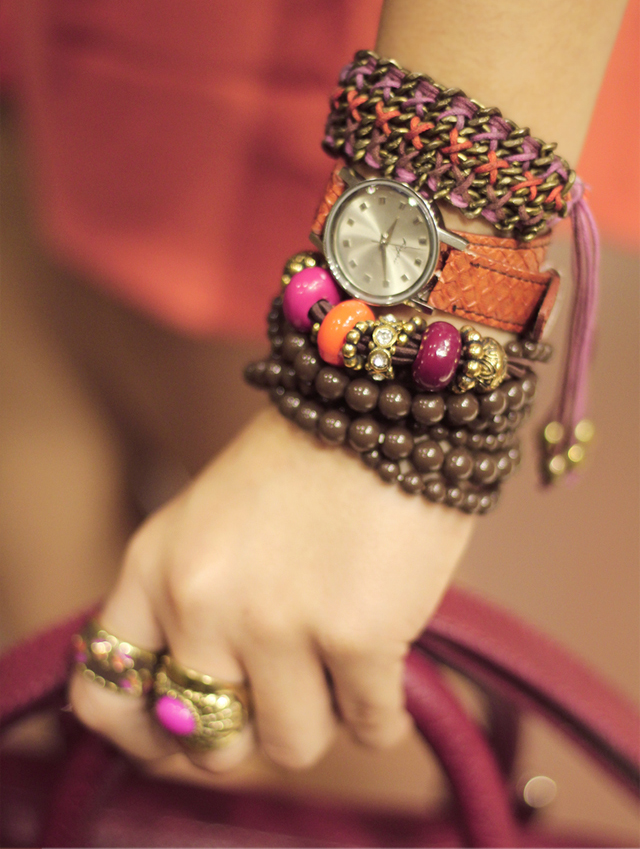Cool hand bracelet for beautifull young girls - Sari Info