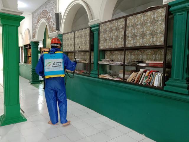Relawan MRI ACT Sumsel Lakukan Aksi Sterilisasi ke 50 titik di wilayah Sumatera Selatan