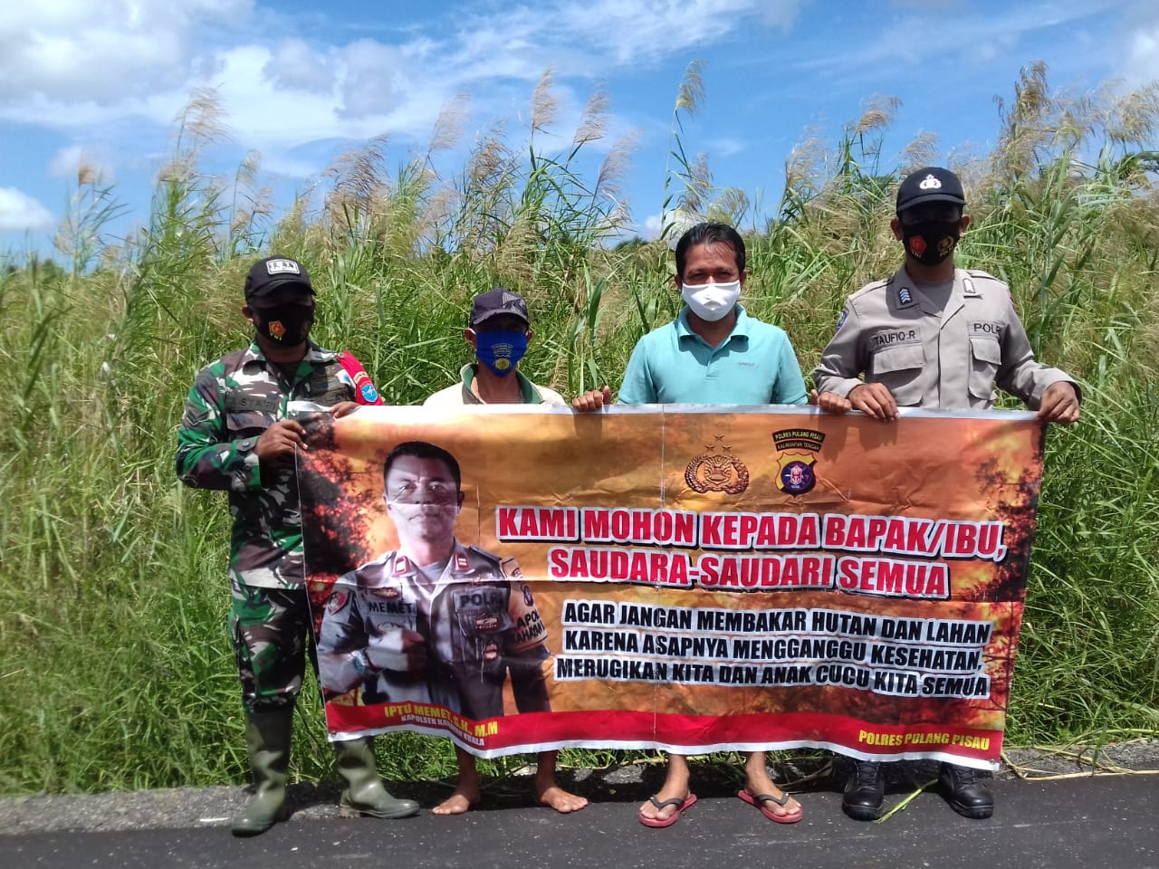 Cegah Karhutla, Polsek Kahayan Kuala dan Koramil Bahaur Bersinergi Sampaikan Imbauan