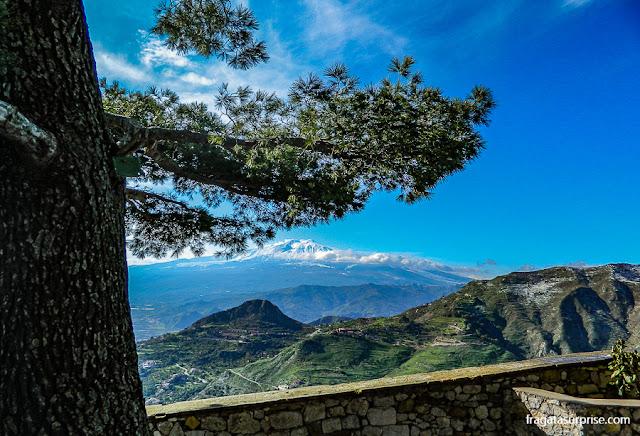 A paisagem descortinada a partir do Castelo de Castelmola