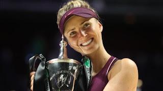 TENIS - Elina Svitolina sorprende llevándose las WTA Finals, la primera ucraniana en lograrlo