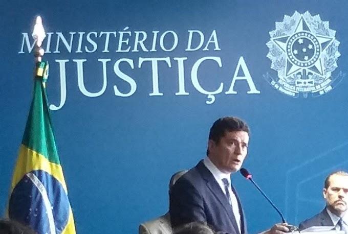 Ministério da Justiça desmente Folha e não confirma pedido de demissão de Moro, veja;