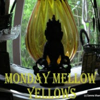 Monday Mellow Yellow, church for teens