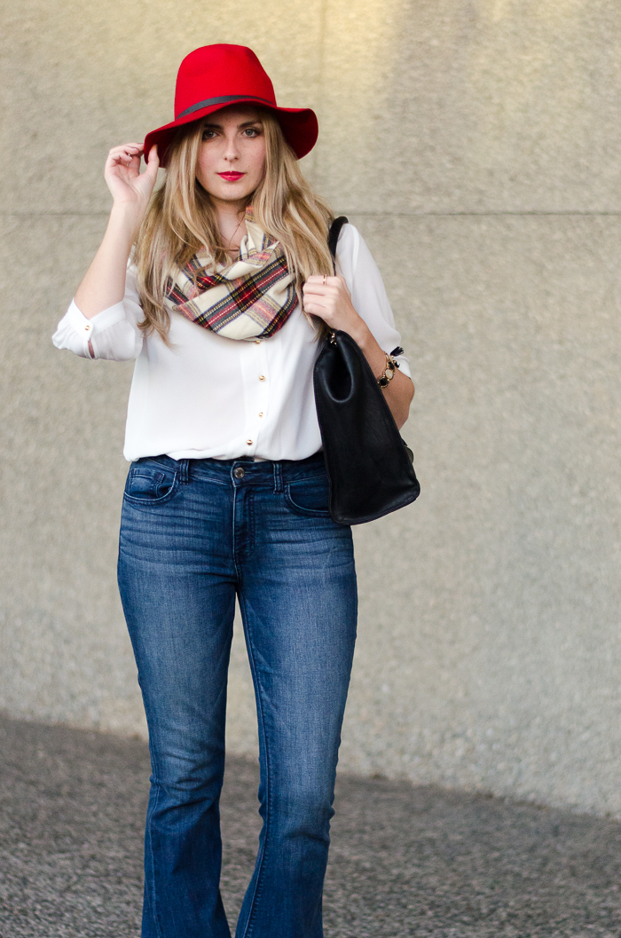 How to Style Bellbottom Jeans