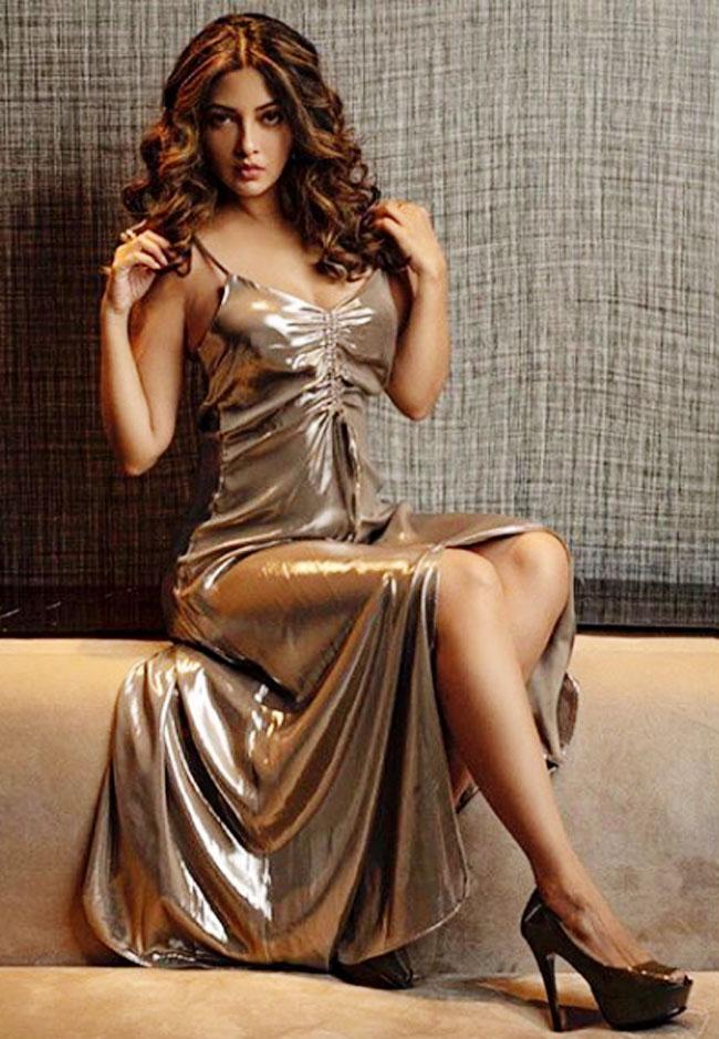 hot-actress-riya-sens-latest-photoshoot-goes-viral-watch